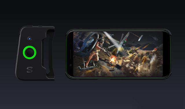 黑鲨游戏手机 竞技版  来了 更彪悍