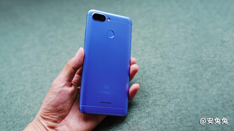 红米6图赏:小巧的全面屏手机,大小刚刚好!
