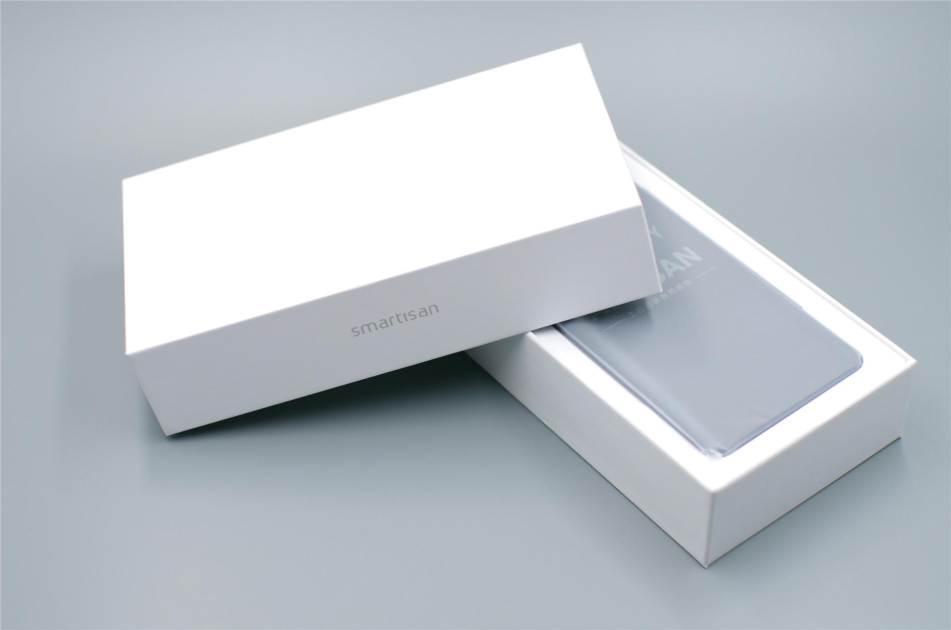 坚果Pro 2S炫光蓝开箱:据说这是史上最高颜值的坚果?