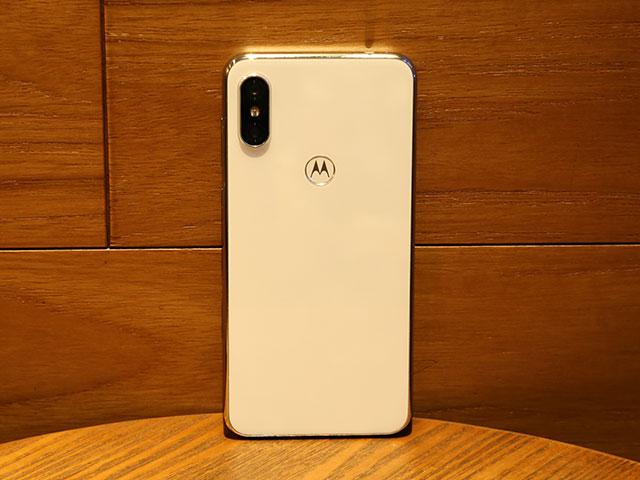 Motorola P30上手:颜值出众 游戏体验走心