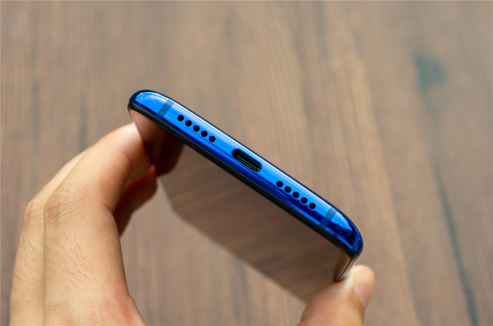 小米CC9开箱图赏:可能是最漂亮的小米手机