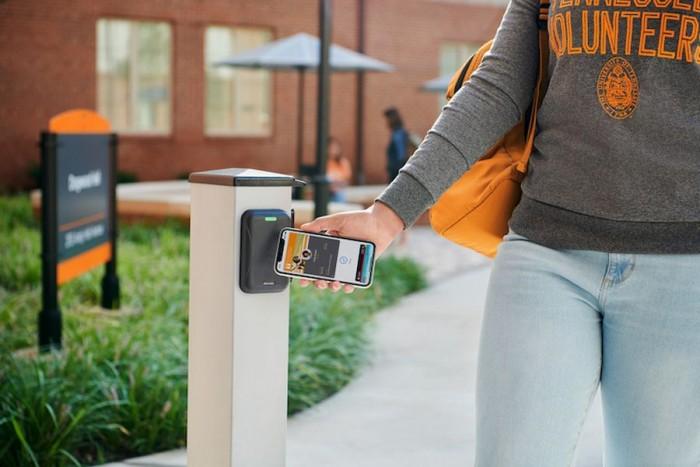 苹果非接触式学生证新增支持12所大学