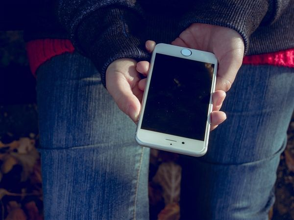 苹果总裁表示:Touch ID不会消失 会更普及