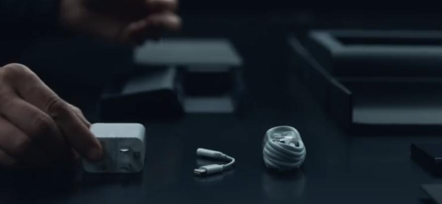 小米MIX Alpha开箱极速大发时时彩视频 公布:原装保护套吸睛