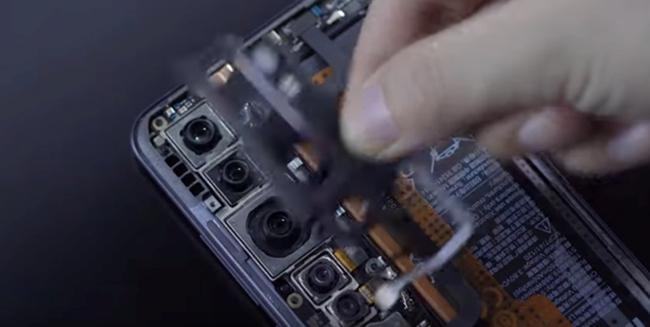 小米CC9 Pro被拆机:相机和电池占9成空间
