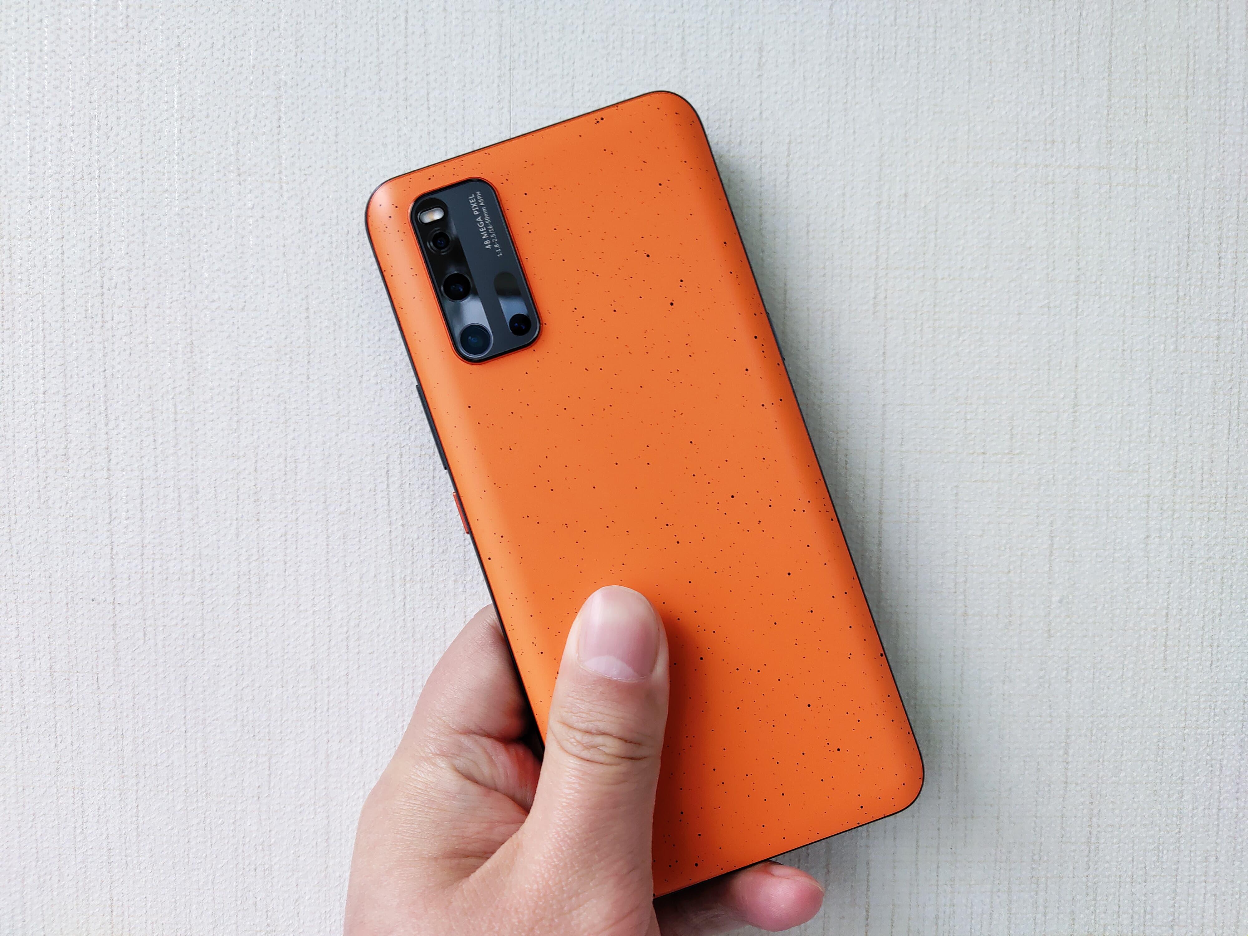 iQOO 3拉力橙开箱:每一台都独一无二
