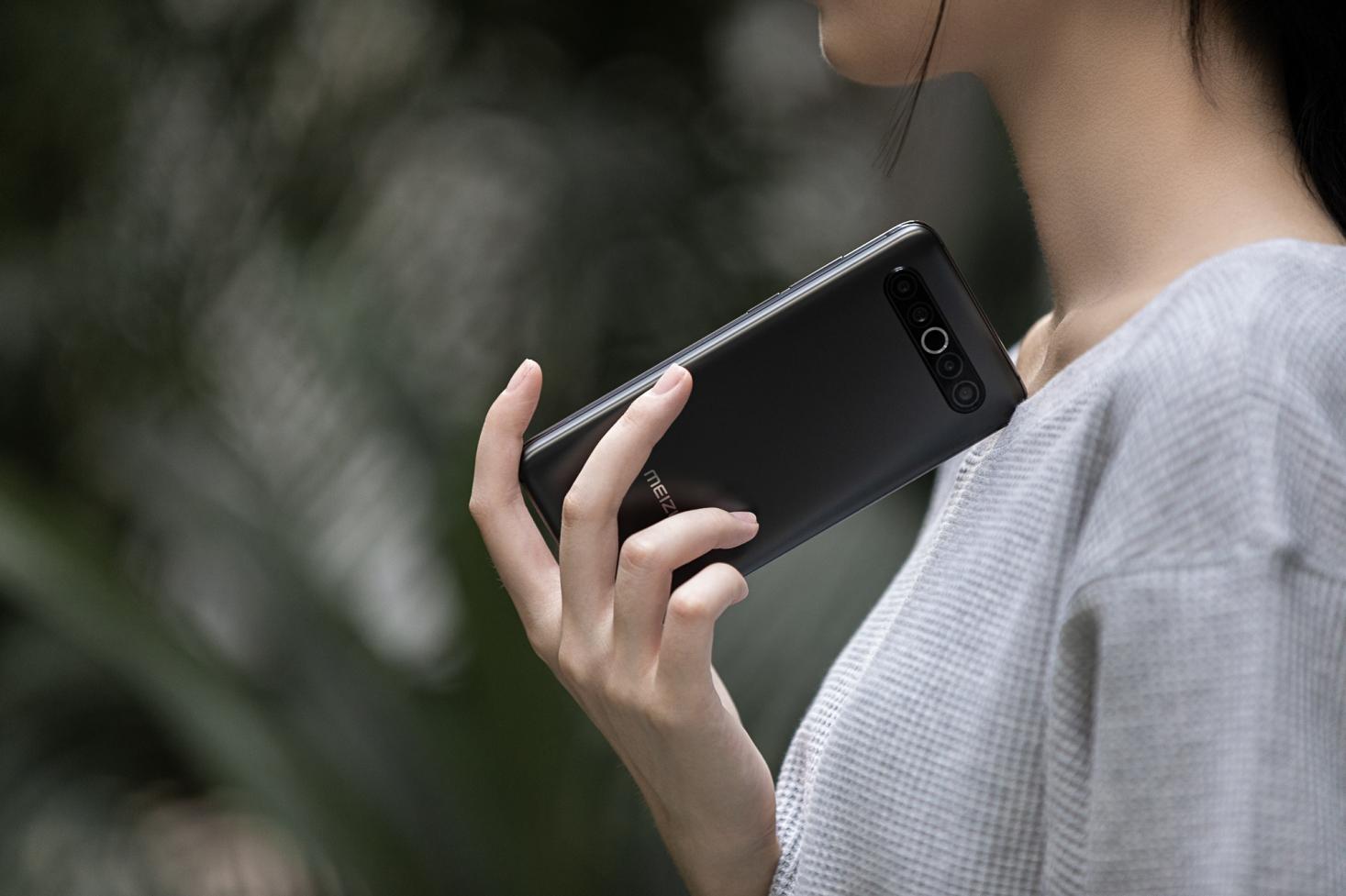 7月Android手機好評榜:萬元旗艦首次登頂