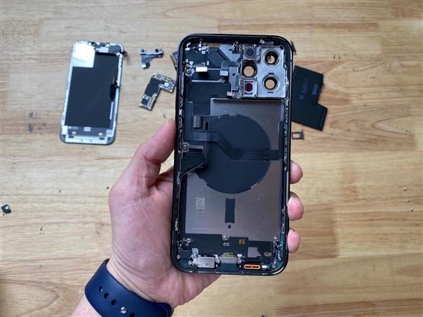 iPhone 12 Pro Max高清拆解照曝光 L形电池亮眼