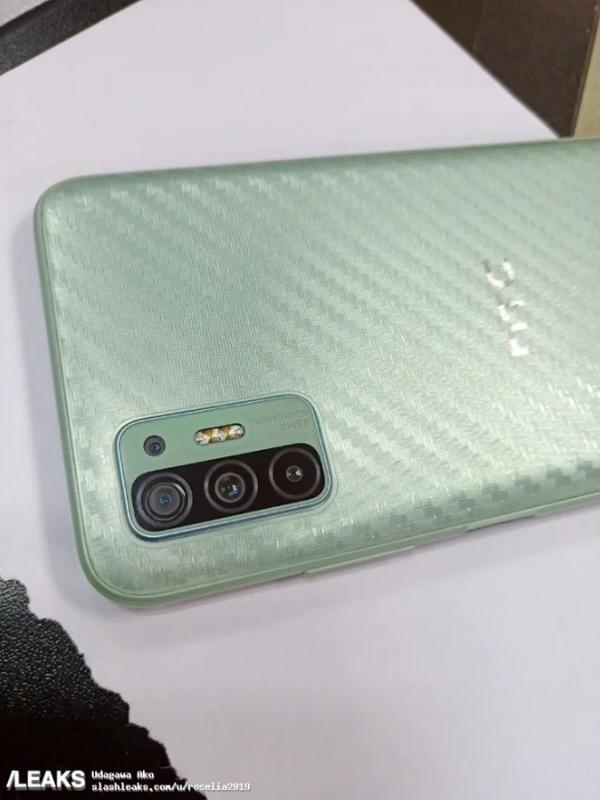 不死心 HTC 5G新机曝光