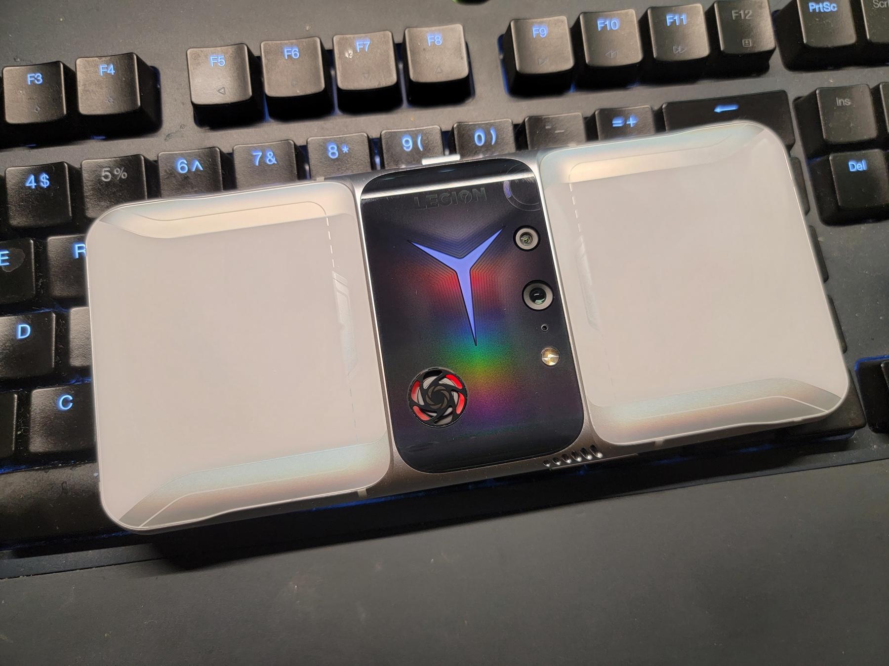 拯救者电竞手机2 Pro真机曝光:真的有风扇