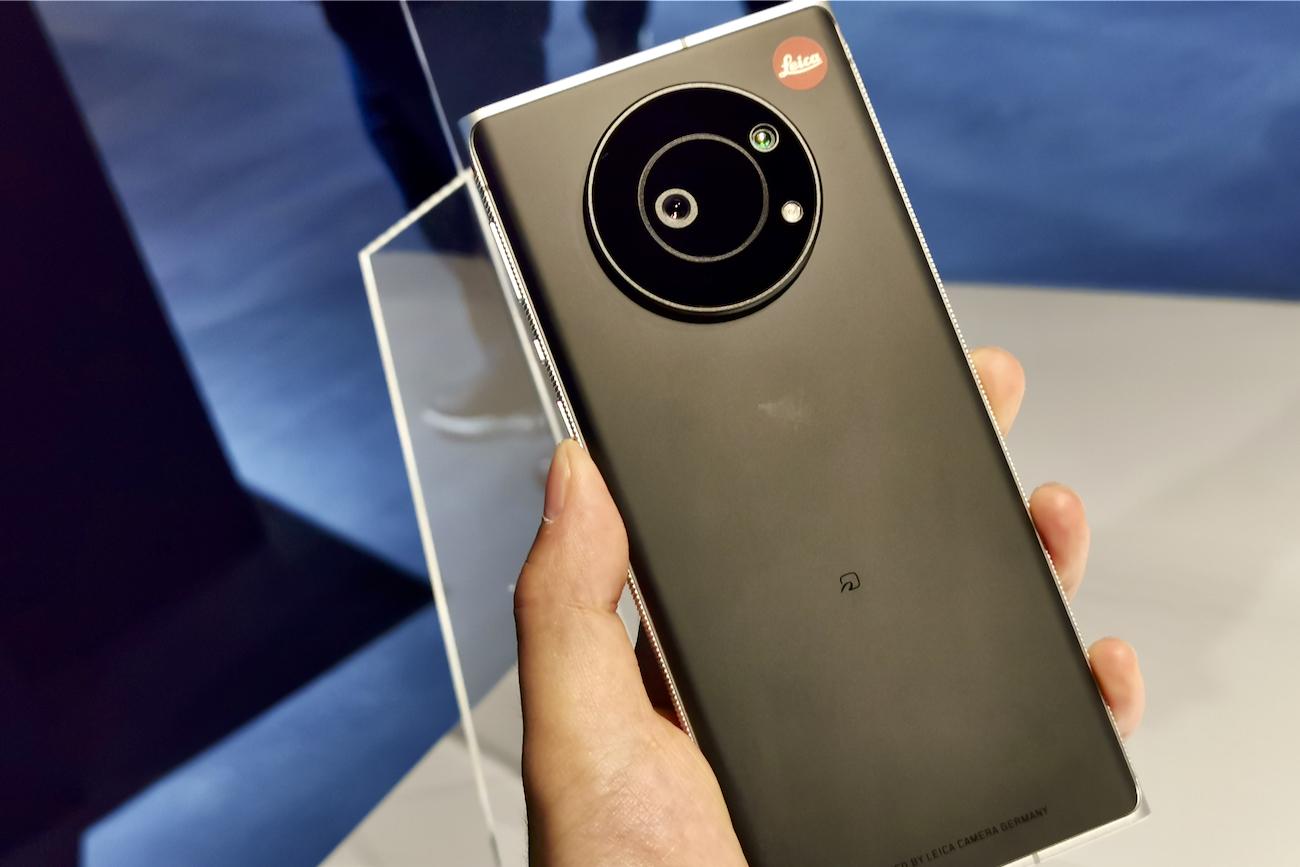 徕卡第一款手机真机上手:还有专属镜头盖