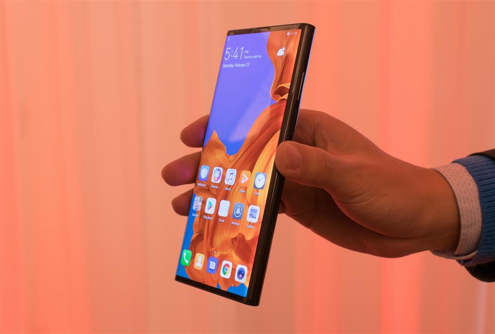华为折叠屏手机Mate X发布:1.7万元 支持5G