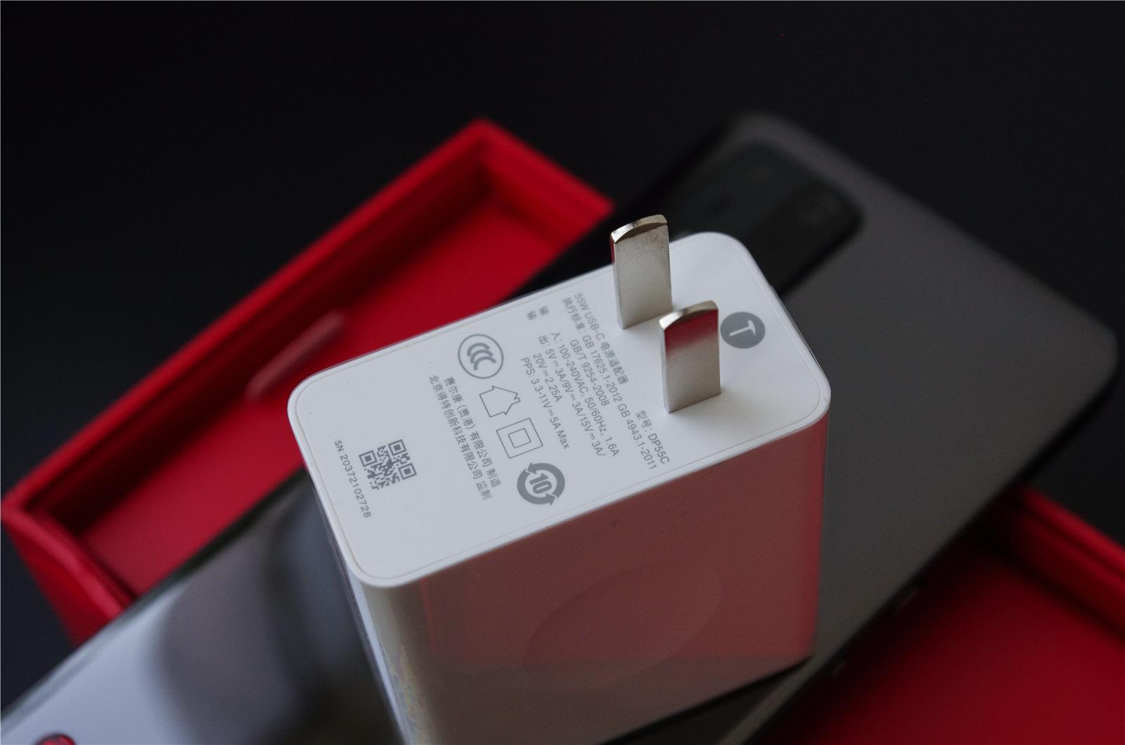 坚果R2评测:不负锤粉多年坚守、性能/相机双巅峰