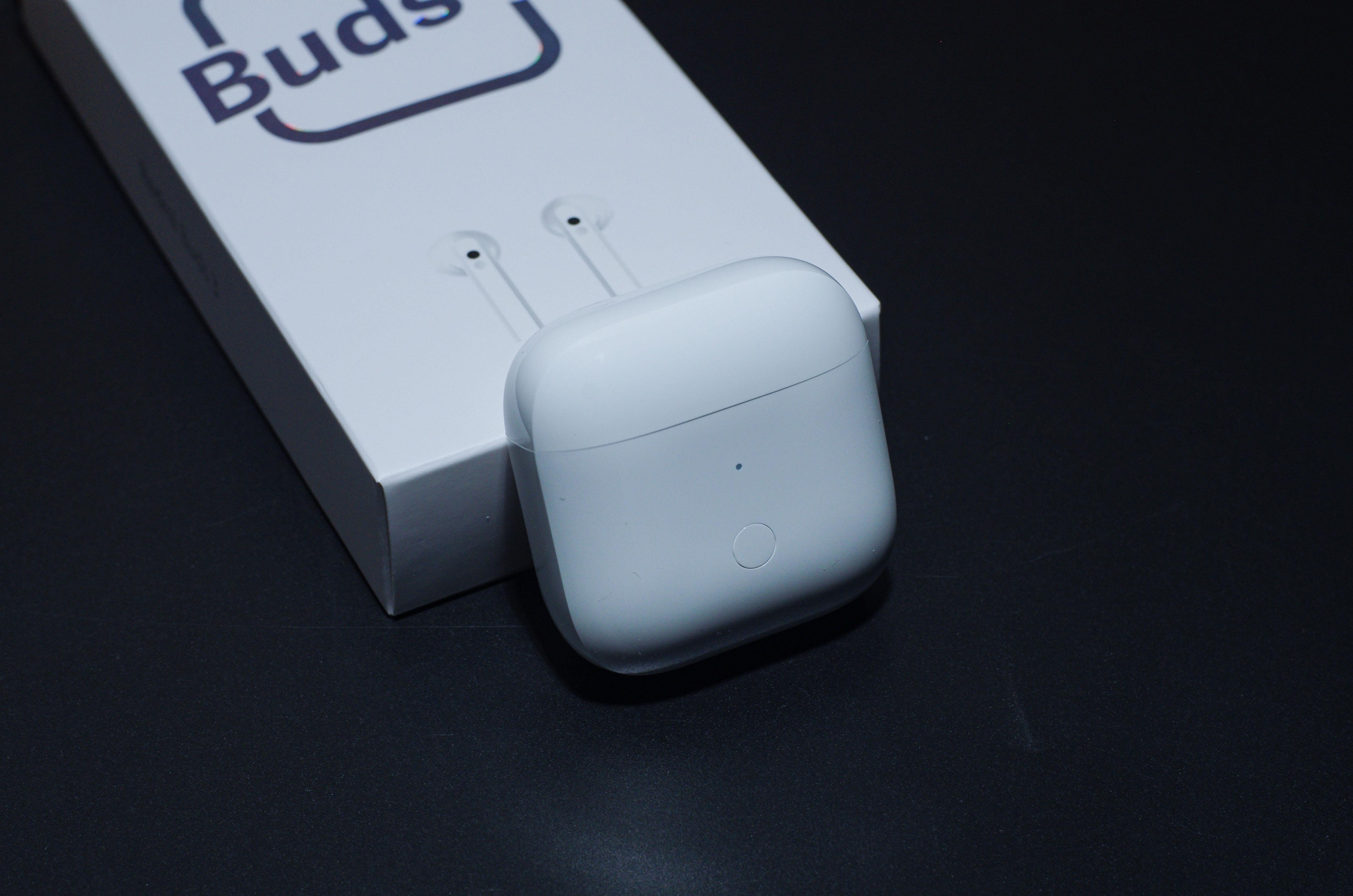 Redmi首款半入耳式耳机体验:一百多块真香